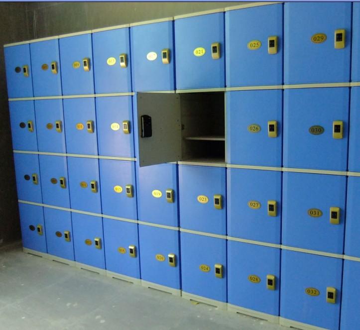 学生存包柜
